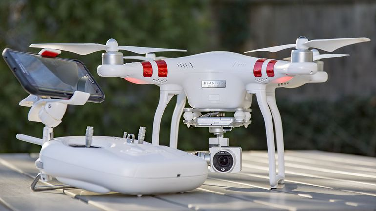 DJI Phantom 3 квадрокоптер с камерой