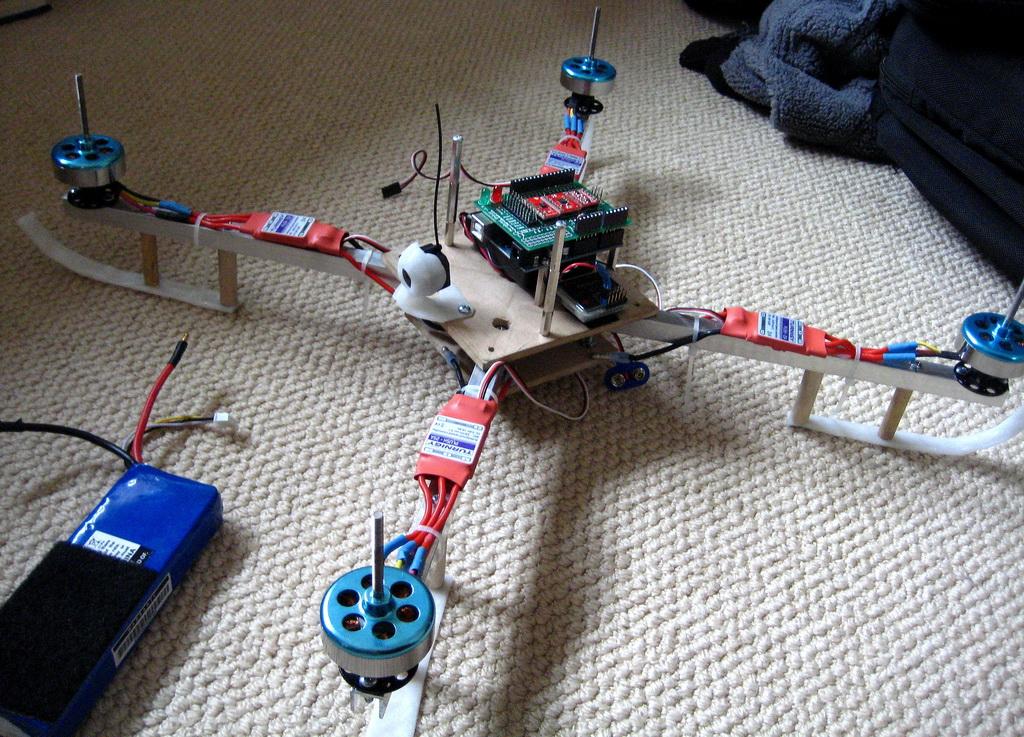 Квадрокоптер из кулеров
