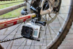 экшн камера на раме велосипеда