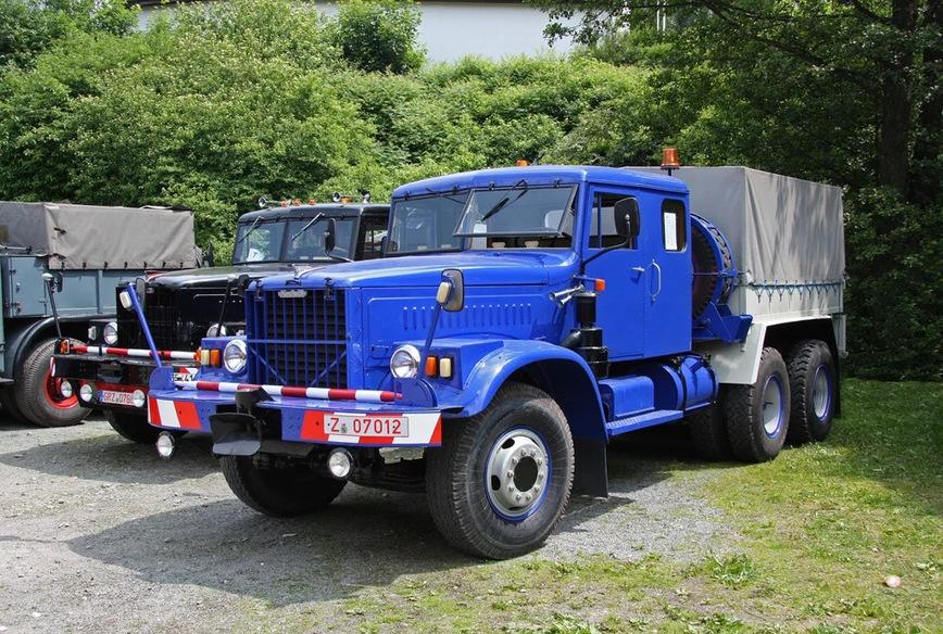 балластный тягач КрАЗ-256